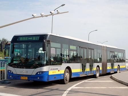 На фото: автобус дальнего следования, Пекин