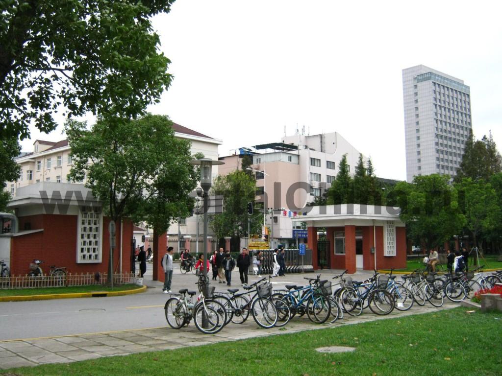 Студенты Университета Фудань активно используют велосипеды