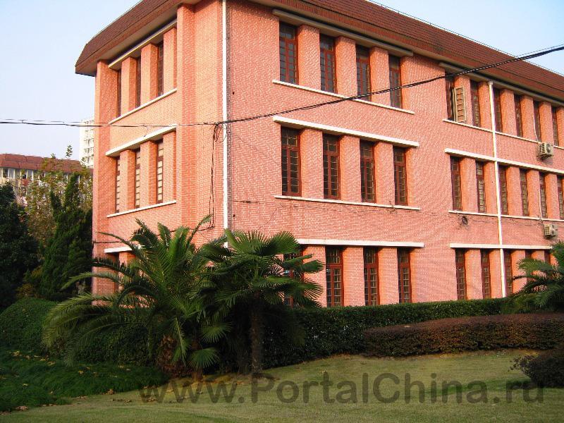 Donghua University (82)