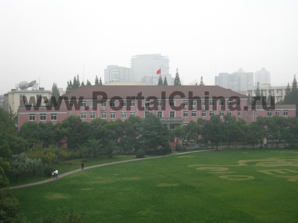 Территория Shanghai University