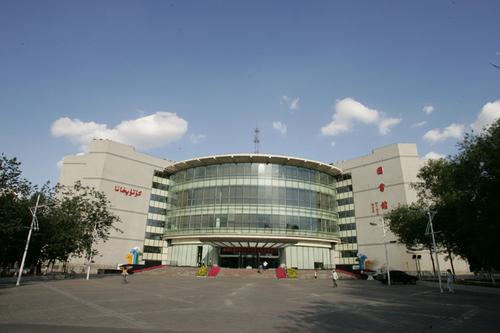 Синьцзянский Университет состоит из 23 институтов