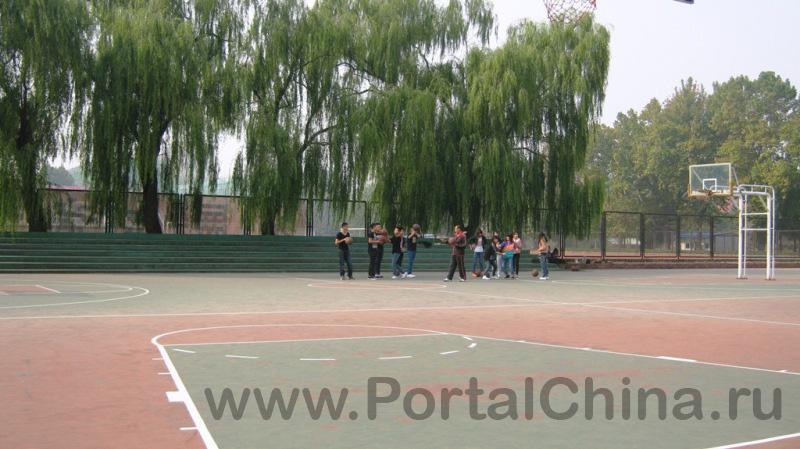 BISU ВТорой Пекинский Иностранных Языков (16)